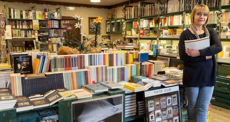 MONTAGNE DI CARTA - Caffè Libreria & Sala da Tè - Il bosco dei libri